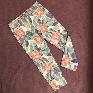 Ann Taylor cropped pants petite size 2 floral 🌺